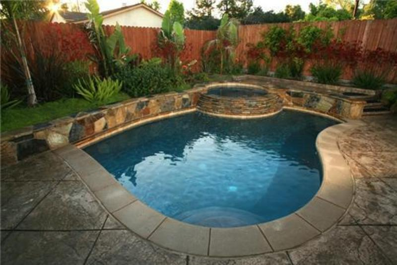 Beautiful small pools for your backyard for Pool garden design pictures