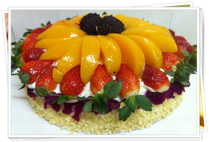 decorative fruit cakes 6