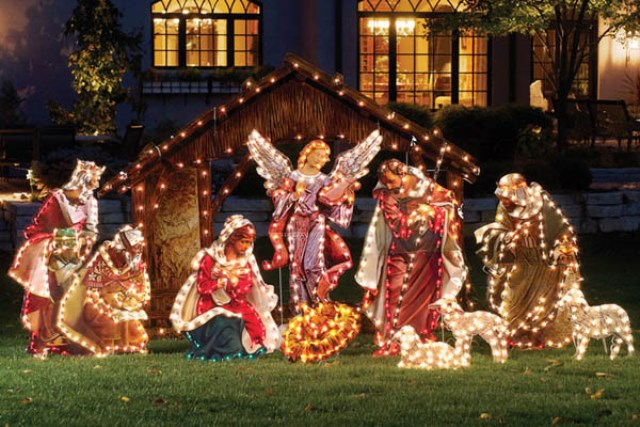 ChristmasGardenDecor04