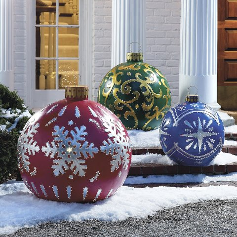 ChristmasGardenDecor18