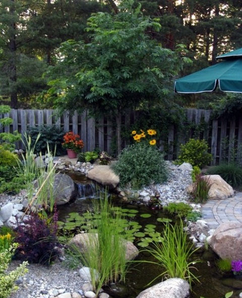 Pics Of Backyard Ponds: Top 25 Awesome Backyard Pond Design Ideas