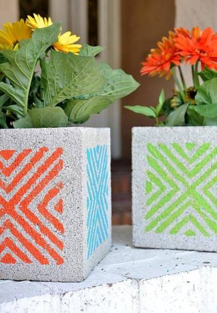 10 brilliant diy garden projects using cinder blocks - Concrete block painting ideas ...