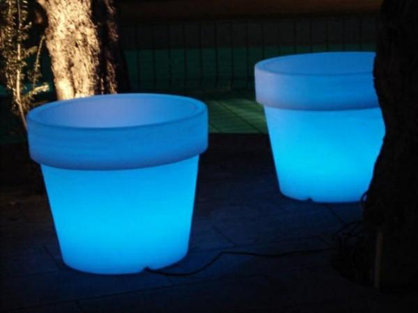 Illuminated Planters 18
