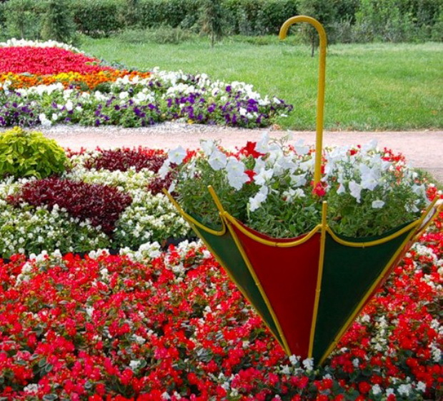 Umbrella Planters 1
