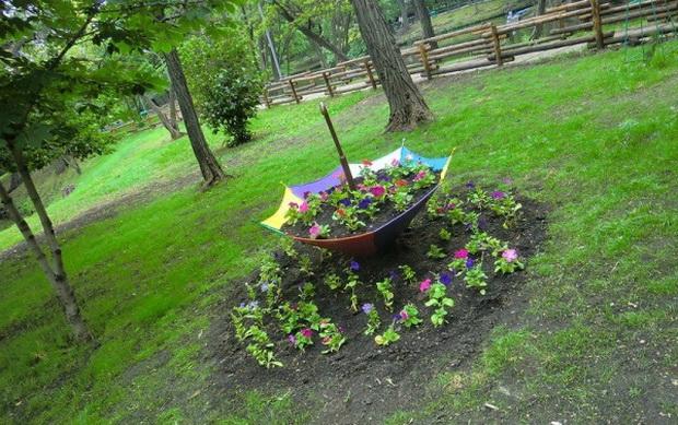 Umbrella Planters 4