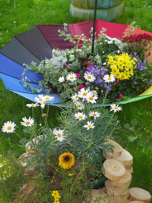 Yard Art From Junk Garden Decorations