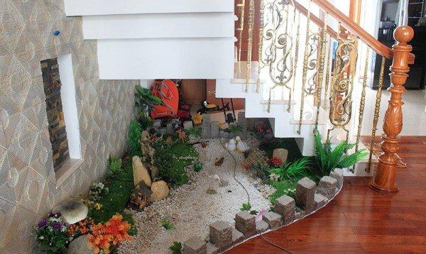 understairs-garden-14