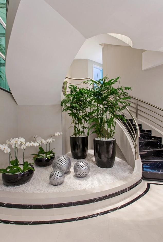 understairs-garden-2