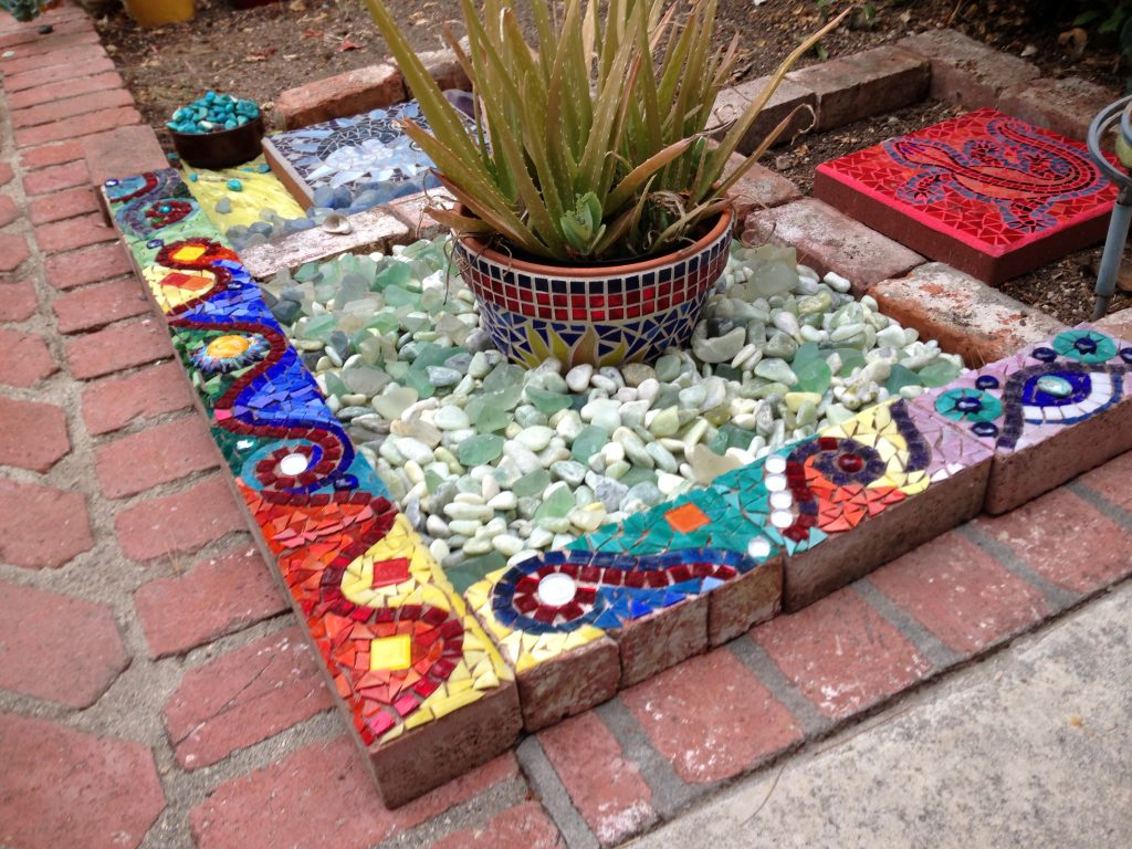 Use Old Broken Glass China Amp Recycled Materials To Make