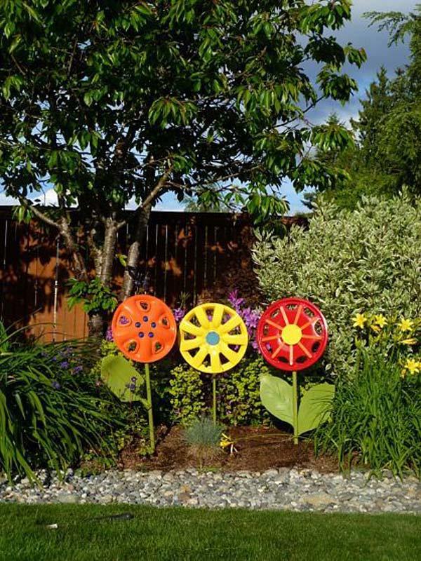 DIY Garden Art Flowers 16