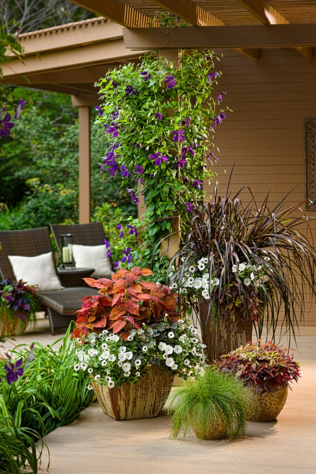 Beautify Your Garden With These 13 Wonderful Planter Ideas