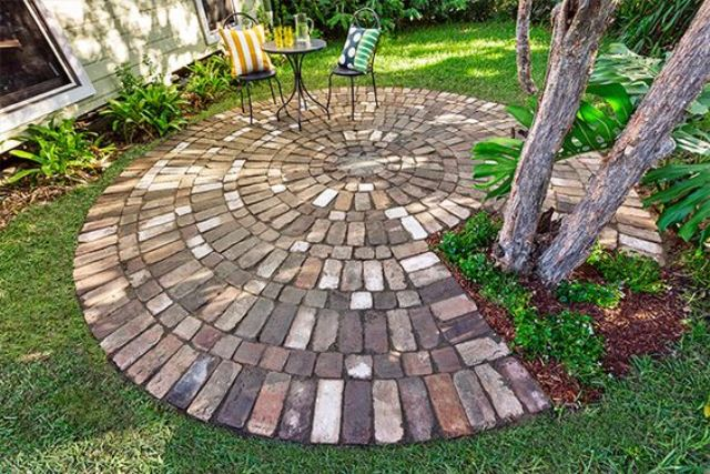 17 BRICK PATHWAYS THAT WILL MAKE YOUR GARDEN CHARMING on Circular Patio Ideas id=60858